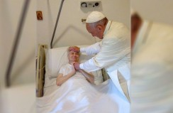 Pope Francis makes surprise visit to ailing nun